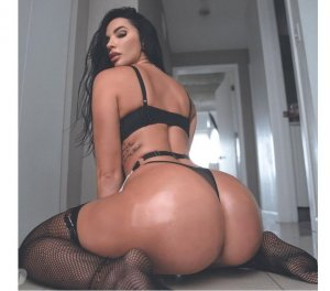 Eduarda escorts in Camarillo